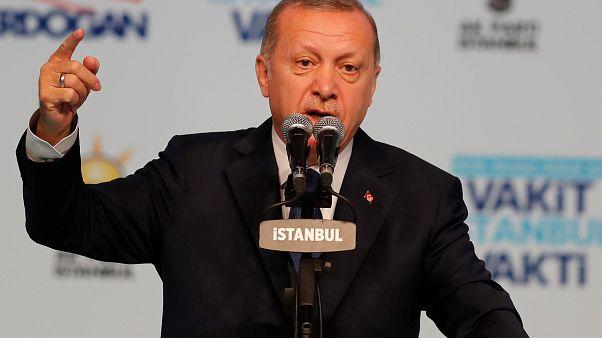 """إردوغان """"ينهى"""" عمل خدمة أوبر في تركيا"""