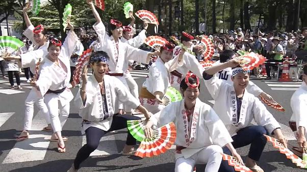 شاهد: مهرجان في اليابان يوحد المناطق التي دمرتها كارثة فوكوشيما