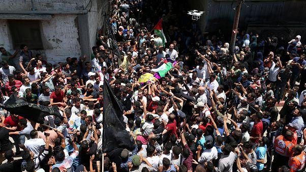 A Gaza i funerali dell'infermiera palestinese uccisa