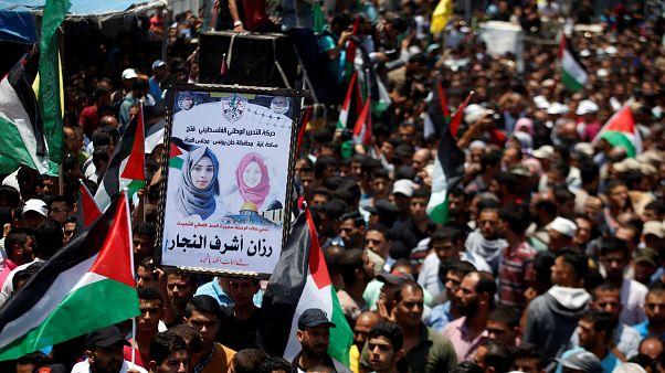 Eltemették a Gázai övezet határán lelőtt palesztin ápolónőt