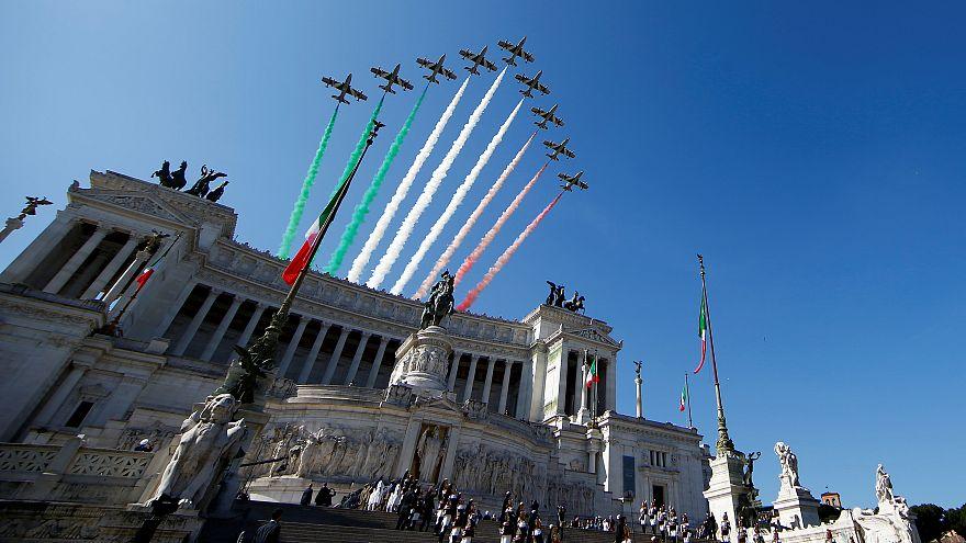 Día de la República con gobierno de estreno en Italia