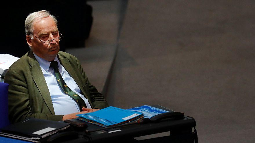 """Aufschrei: Gauland  (77) nennt Hitler und NS-Zeit """"Vogelschiss in der Geschichte"""""""