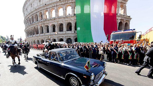 Italiens Präsident Mattarella kommt bei der Militärparade an