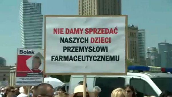 Polonia: no-vax in piazza a Varsavia