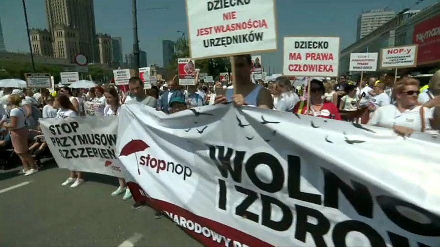 В Польше ширится движение против вакцинации