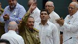 Raul Castro à chegada à sessão plenária em Havana onde foi nomeado