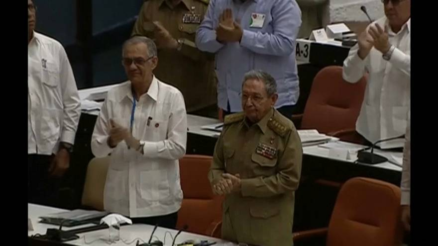 Raúl Castro lidera la redacción de la nueva Constitución