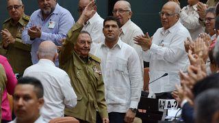 Ο Ραούλ Κάστρο αναθεωρεί το σύνταγμα της Κούβας