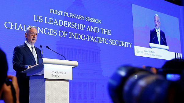وزير الدفاع الأمريكي جيم ماتيس في حوار شانغريلا في سنغافورة، المصدر: رويترز