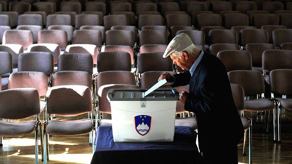 Slovenya'da halk genel seçim için sandık başında