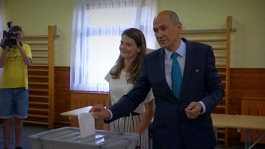 Граждан Словении позвали на досрочные выборы