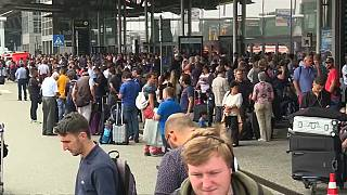 Flughafen Hamburg nimmt Flugbetrieb wieder auf