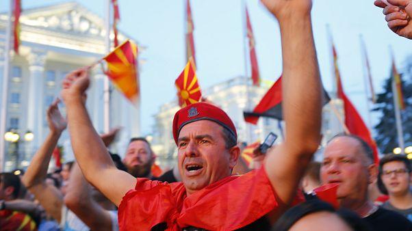 Üsküp'teki protesto eylemlerinde erken seçim çağrısı