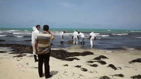 Mais de cinquenta migrantes morrem a caminho da Europa