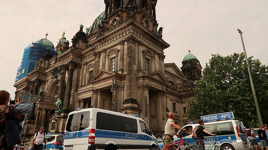 Schüsse am Dom in Berlin