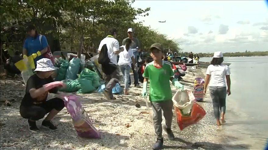 حملة لتنظيف مانيلا من القمامة البلاستيكية الملوثة للبيئة