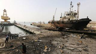 Humanitarian crisis feared as Yemen fighting approaches strategic port