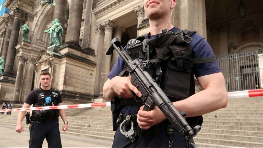پلیس آلمان تروریستی بودن حمله برلین را رد کرد