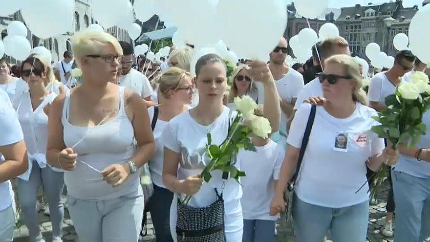 Liège homenageia vítimas do ataque terrorista