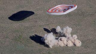 Soyuz regressa a casa