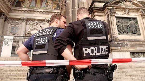 Polícia disparou sobre um homem na Catedral de Berlim