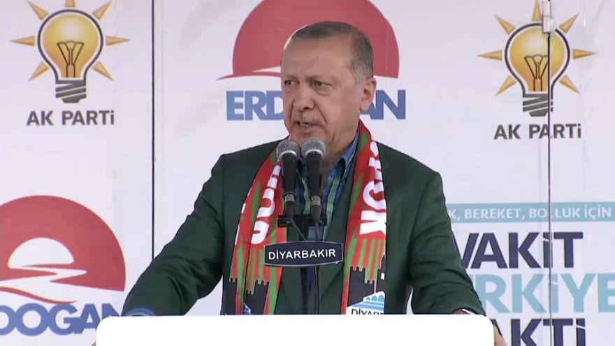 Üble Beschimpfungen im Kampf um Stimmen der Kurden: Erdogan vs Demirtas