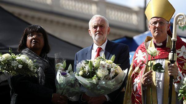 Jeremy Corbyn beim Gedenkgottesdient in London