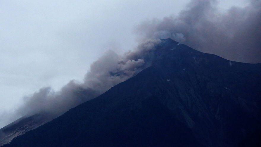 فعالیت آتشفشان فوئگو در گواتمالا ۲۵ کشته برجای گذاشت