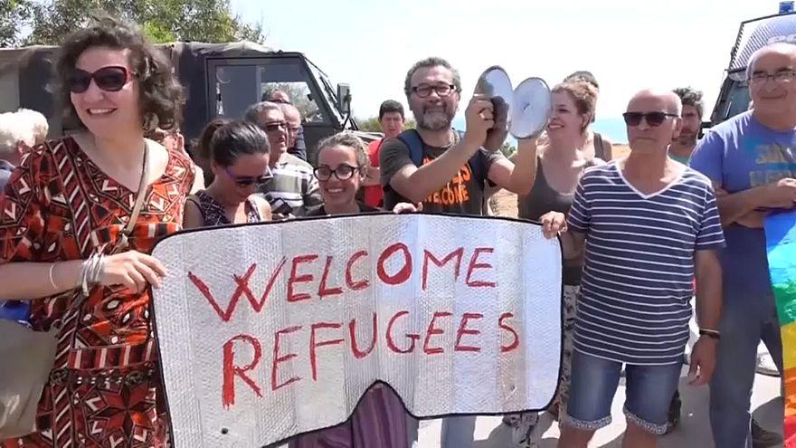 Сицилия: Сальвини против беженцев