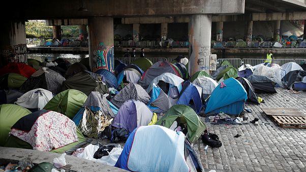 Επιχείρηση «σκούπα» σε καμπ προσφύγων στο Παρίσι