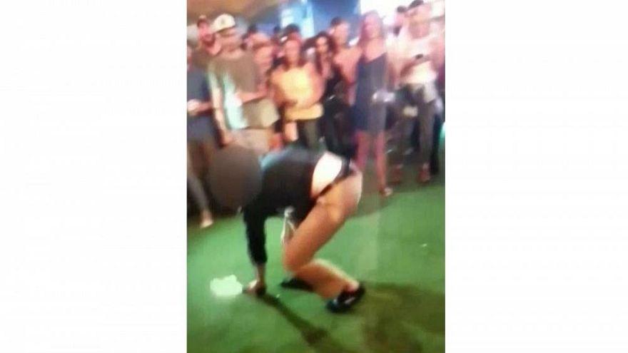Tanzen kann gefährlich sein: Ein FBI-Agent beim Brakedancing.