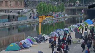 Újabb sátortáborokat számoltak fel Párizsban