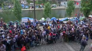 Париж: эвакуация нелегальных мигрантов