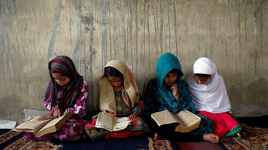 تقرير: نحو نصف أطفال أفغانستان لا يذهبون إلى المدارس