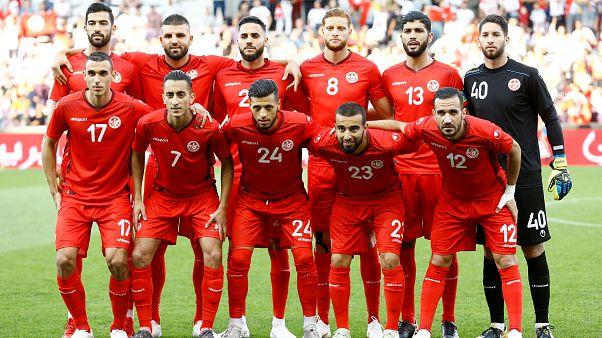 Oruçlu maça çıkan Tunuslu futbolcular iftar için sakatlık numarası yaptı