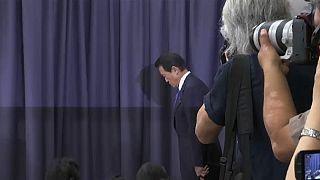 وزير المالية الياباني يعلن أنه لن يتقاضى راتبه لمدة سنة كاملة والسبب ..