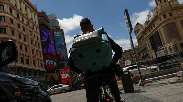"""Víctor Sánchez, ex 'rider' de Deliveroo: """"para ellos somos unos revolucionarios que queremos destruir la empresa"""""""
