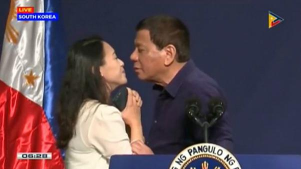 Duterte : le baiser de la discorde