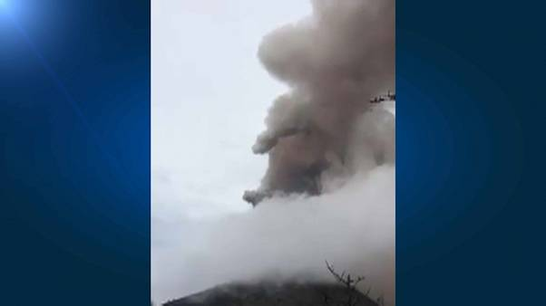 Evacuadas aldeias limítrofes ao Vulcão de Fuego