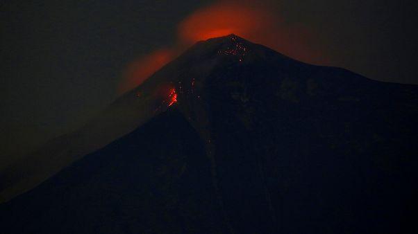 Γουατεμάλα: Ηφαιστειακή έκρηξη στο Φουέγο