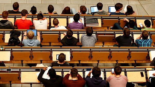 هلند تدریس به زبان انگلیسی در دانشگاهها را محدود میکند