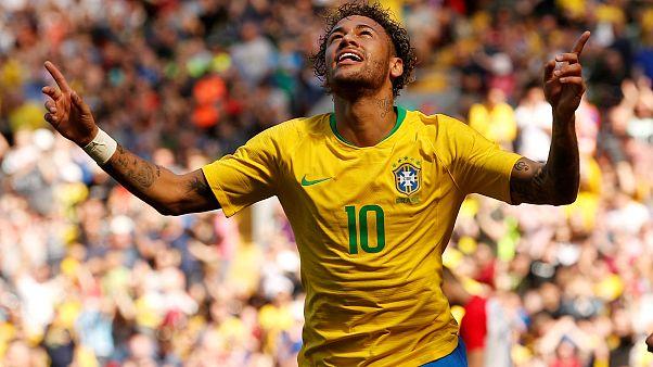 O regresso de Neymar com um golo e um 'rumor Real'
