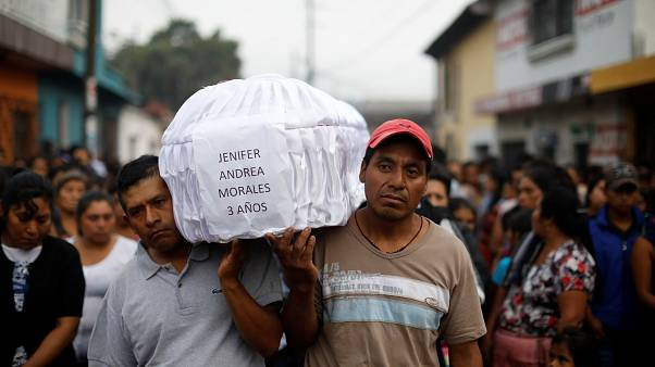"62 Tote nach Ausbruch des ""El Fuego"" in Guatemala"