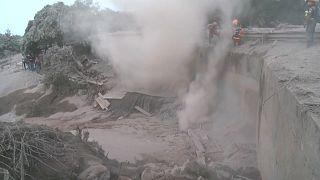 Извержение Фуэго: число жертв растет