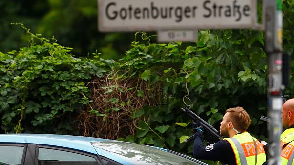 Βερολίνο: Σχολείο αποκλείστηκε από αστυνομικές δυνάμεις