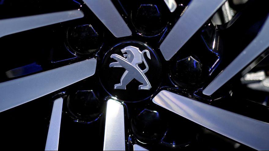 Grupo Peugeot-Citroen vai suspender negócios no Irão