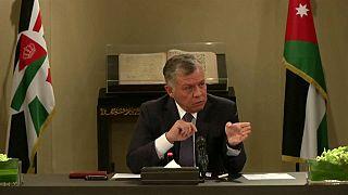 العاهل الأردني يدعو لحوار بشأن الضرائب بعد احتجاجات شعبية