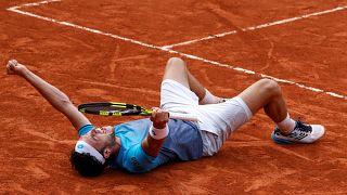 Roland Garros: Cecchinato nella storia, batte Djokovic ed è semifinale!