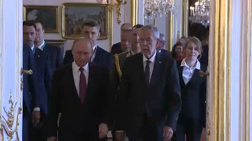 V. Putyin baráti látogatást tett Bécsben