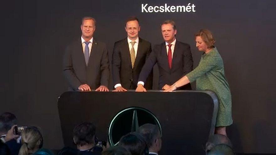Letették az új Mercedes-gyár alapkövét Kecskeméten